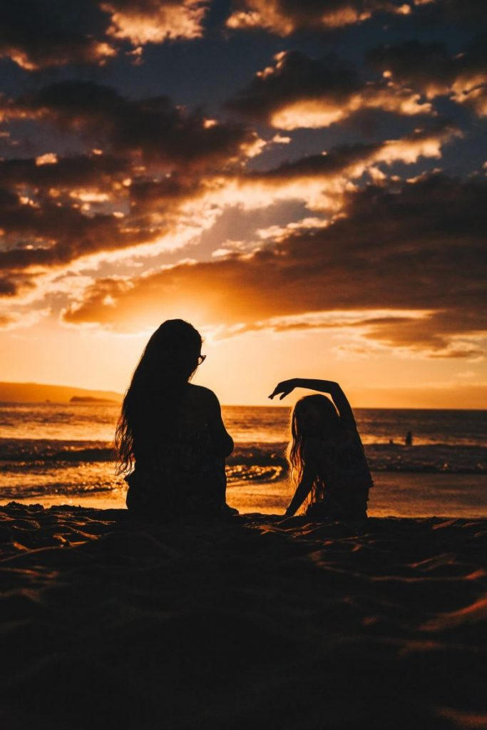 woman-daughter-silhouette